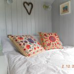 Shepherd's Hut King Size Bed with Duvet